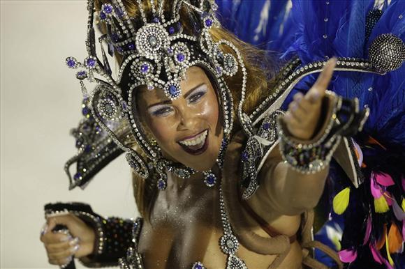 Карнавал в Рио-де-Жанейро - праздник танца.