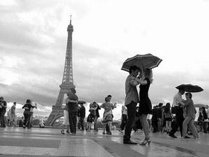 Танцевальный туризм и такси в Париже.