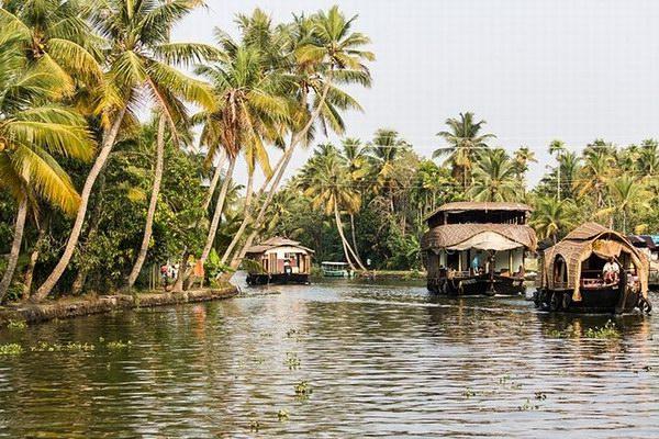 Индия, Заводи Кералы